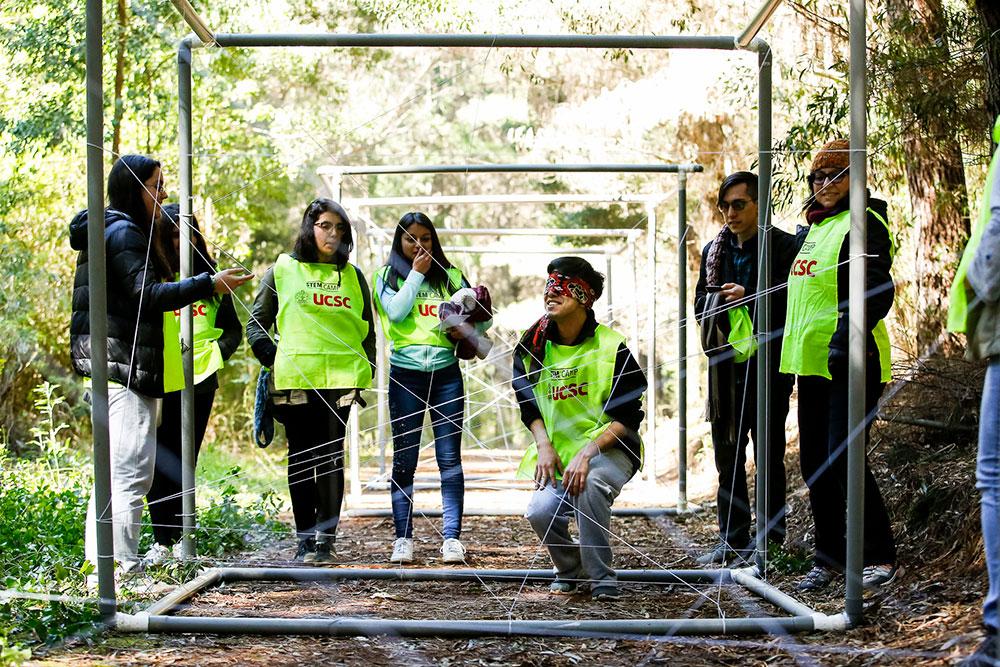"""Profesores de colegios técnicos participaron en """"Stem Camp"""" desarrollado por Innovapedia UCSC."""