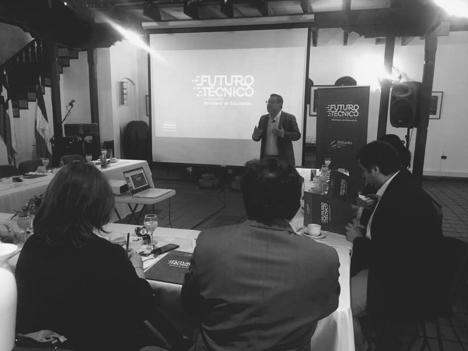 Mineduc y Educando en Red ONG presentaron Programa Futuro Técnico a instituciones de Educación Superior de Ñuble